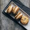 Cookie is-sandwich med kaffeis