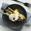 Ristet brød med grønne asparges og pocheret æg